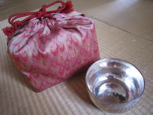 銀建水と茶籠